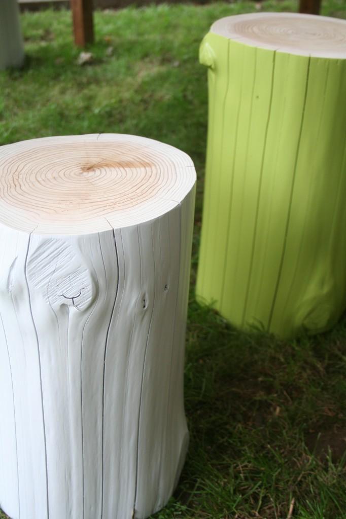 Sitzhocker lackiert aus unserer Ausstellung in verschiedenen Farben und Größen